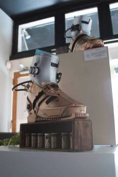 Anti-gravity boots with the power cells
